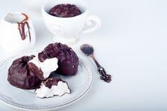 Zéphyr de chocolat et tasse de café Image libre de droits
