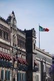 Zócalo的,墨西哥城帕拉西奥Nacional (全国宫殿) 免版税库存图片