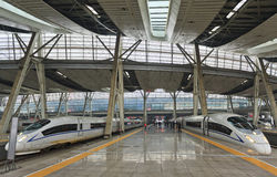 Züge China-Bahnstations-2 Stockfoto