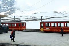 Züge der Zahnradbahn zu Jungfrau, die Schweiz Lizenzfreies Stockbild