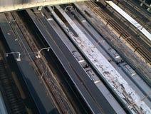 Züge und Eisenbahnlinien stockbild