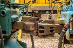 Züge zusammen verbunden im Zugyard lizenzfreies stockbild