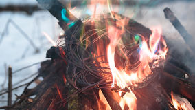 Zündungsdraht im Feuer Stockfoto