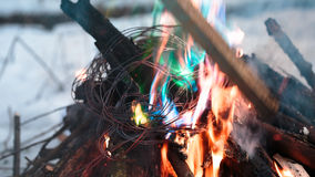 Zündungsdraht im Feuer Stockfotografie