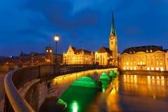 Zürich bij nacht Royalty-vrije Stock Afbeelding