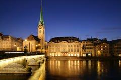 Zürich bij schemering 01, Zwitserland Stock Afbeeldingen