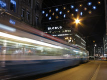 Zürich bis zum Nacht in der Weihnachtszeit Lizenzfreie Stockfotografie