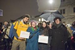 Zürich, am 5. Februar 2017 Protestieren Sie in Solidarität mit dem Protest gegen die Regierung in Bukarest Lizenzfreie Stockfotos