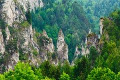 Zęby tworzący skalistymi górami Obrazy Royalty Free