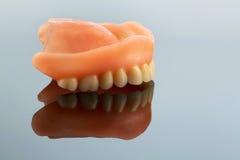 Zęby z odbiciem fotografia stock