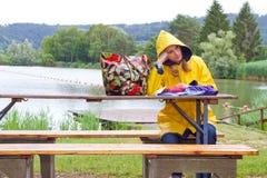 Zła pogoda na jeziorze obraz stock