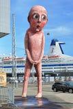 Zła Zła chłopiec rzeźba w Helsinki, Finlandia Fotografia Stock