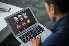 Złożony wizerunek automat do gier z tekstem na wisząca ozdoba ekranie Zdjęcia Stock