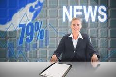 Złożony wizerunek bizneswomanu obsiadanie na swivel krześle w czarnym kostiumu Fotografia Royalty Free
