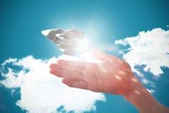 Złożony wizerunek cropped wizerunek udaje trzymać niewidzialnego przedmiot ręka Obrazy Stock
