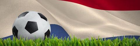 Złożony wizerunek czarny i biały rzemienny futbol ilustracji