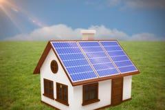 Złożony wizerunek 3d wizerunek dom z panel słoneczny Fotografia Stock