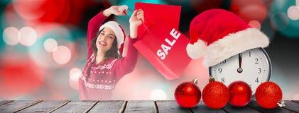 Złożony wizerunek pokazuje sprzedaży torba na zakupy i torbę ładna brunetka Zdjęcia Stock