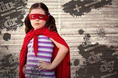 Złożony wizerunek portret dziewczyny pozycja w bohatera kostiumu Obraz Royalty Free