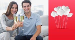 Złożony wizerunek portret kochankowie wznosi toast ich flety szampan Obrazy Royalty Free