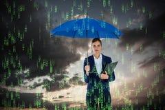 Złożony wizerunek portret trzyma błękitnego schowek i parasol bizneswoman Zdjęcie Royalty Free