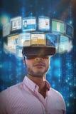 Złożony wizerunek portret trzyma wirtualnych szkła 3d biznesmen Fotografia Royalty Free