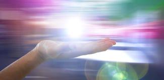 Złożony wizerunek ręka udaje trzymać niewidzialnego przedmiot mężczyzna Zdjęcia Royalty Free