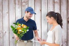 Złożony wizerunek szczęśliwego kwiatu doręczeniowy mężczyzna z klientem Obraz Stock