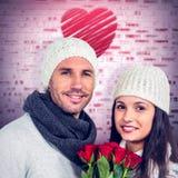 Złożony wizerunek uśmiechnięty pary mienia róż bukiet Obrazy Stock