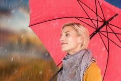 Złożony wizerunek utrzymuje suchy szczęśliwa kobieta Zdjęcie Royalty Free