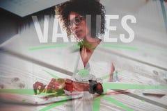 Złożony wizerunek wartości przeciw cyfrowo wytwarzać popielatym drewnianym deskom zdjęcia royalty free