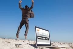 Złożony wizerunek zwycięski biznesmena doskakiwanie opuszcza jego laptop Zdjęcie Stock