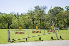 Złociści ostrożność światła na powodzi bramie Fotografia Royalty Free