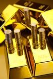 Złoci bary, nastrojowy pieniężny pojęcie Fotografia Stock