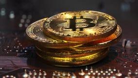 Złoci bitcoin stojaki na planie komputerowy narzędzia zdjęcie wideo