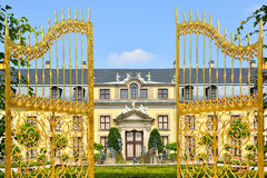 Złoci wrota w Herrenhausen ogródach, Hannover, Niemcy zdjęcia royalty free