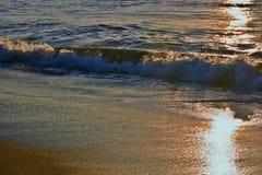 Złoci wschodów słońca morza Obrazy Royalty Free