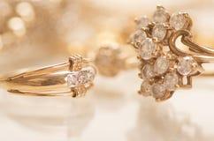 Złocista biżuteria Zdjęcia Royalty Free