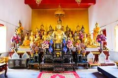 Złocista Buddha statua w świątyni Zdjęcia Royalty Free