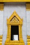Złocista nadokienna tajlandzka świątynia Zdjęcie Royalty Free