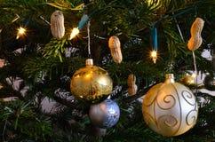 złociste boże narodzenie balowe dekoracje Zdjęcia Stock