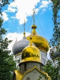 Złociste kopuły Rosyjski kościół Zdjęcia Royalty Free