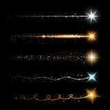 Złocistego błyskotliwego gwiazdowego pyłu śladu iskrzaste cząsteczki na przejrzystym tle Astronautyczny kometa ogon Wektorowa spl ilustracja wektor