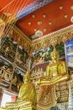 Złocisty Buddha w świątyni przy Thailand obrazy stock