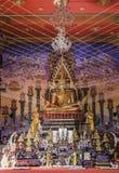 Złocisty Buddha w świątyni fotografia royalty free