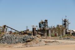 Złocisty Górniczy zakład przetwórczy obraz stock
