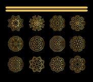 Złocisty Kółkowy ornament na czarnym tle royalty ilustracja