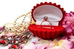 złocisty pierścionek Zdjęcia Royalty Free
