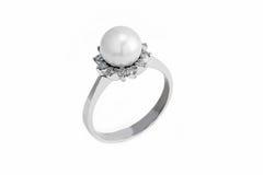 Złocisty pierścionek z perłą i diamentem Obrazy Royalty Free