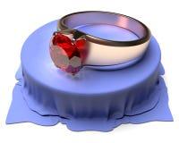 Złocisty pierścionek z rubinem Obrazy Royalty Free